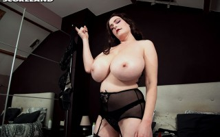 Ultra-Voluptuous Cleo Will Make You Boob-drunk