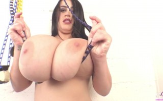 Leanne Crow Workout Band With Big Juicy Jugs