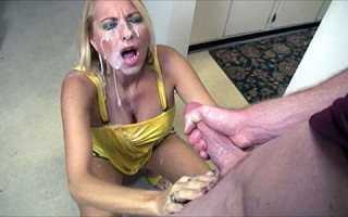 Milf Dallas Diamondz facial