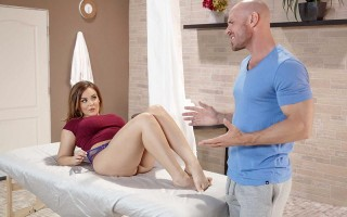 Slutty wife Natasha Nice gets a private treatment