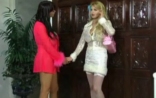 Taylor Wane&Summer Cummings- Lezzy Games