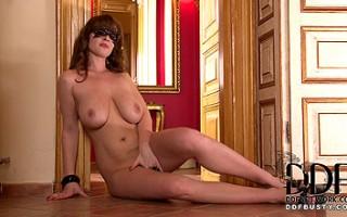 Sultry Babe LaTaya Roxx Gets Naked & Flirts Through Her Mask