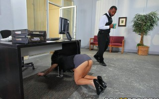 Yurizan loves to finger herself during work, she gets so wet her juices soak up between her fingers. The hornier she gets the more she desires a cock. Danny is Head of the IT department, he gets called over by Yurizan to check if the computer under her de