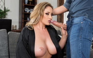 Busty housewife Eva Notty palm reading games
