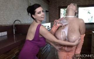 Vivian Blush and Ewa Sonnet Milky Cucumber