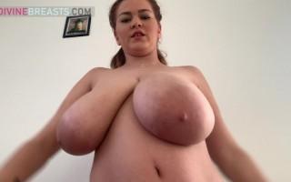 Erin Star Does Big Boob Bouncing