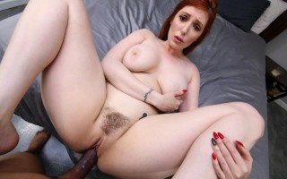 Busty Mom Lauren Phillips Is Suddenly Single