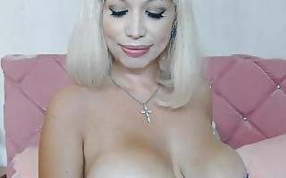 Big Boobs MILF Masturbating Hard on Cam