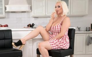 Busty British blonde Rachael C.