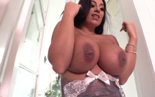 Fiona Siciliano Flirting With Her Natural Big Juggs With Piercing