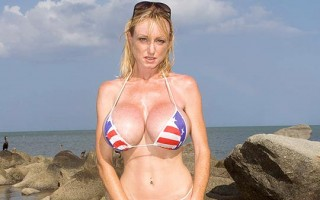 Morgan Leigh big tits in patriotic bikini