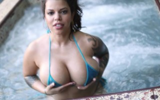 Seductive big hooters Lana Blanc enjoys bathing in jacuzzi