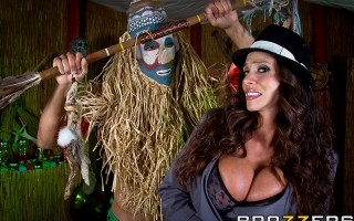 Ariella Ferrara goes to a witch doctor to find a way to win her man back. There's just one catch: the love potion won't work unless this hot Milf is really turned on when she uses it. The witch doctor gets busy riling up his patient, and bringing her to t
