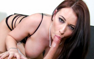 Alexis Comes Back With A Powerful BJ You Do Not Want To Miss