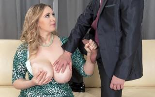 Chubby babe Marina Grey first sex scene