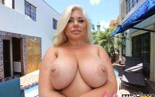 Ashley Barbie's Massive Ass Gets Pounded