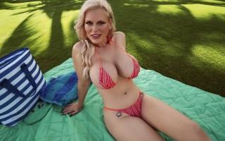 Beach Creep gets busty MILF Casca Akashova