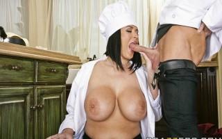 Busty chef Carmella Bing's recipe for success
