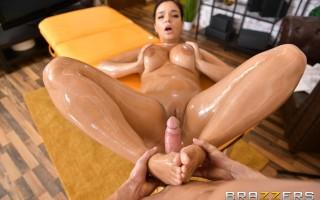 Massaging Sofia Lee