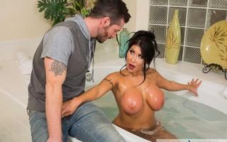 Girlfriend's busty friend August Taylor needs a shower