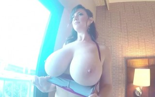 Pretty Lana Kendrick Looks Horny With Her Busty Up Closed