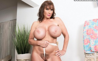 The Busty World of Shelby Gibson