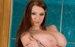 Busty Merilyn Sakova videos