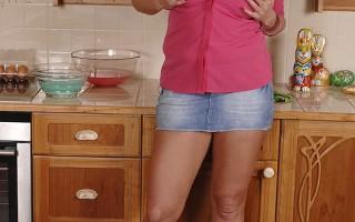 Busty Babe Laura M. Cooks Up A Chocolate Fondue Boobie Treat