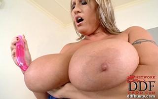 Big babe pleasuring herself
