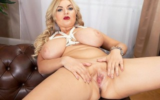 Busty Euro milf Diana Frost American cowgirl