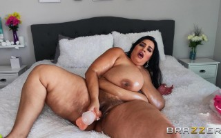 At home with Sofia Rose's perfect tits