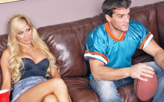 The big game has finally arrived and everyone at Ramon's party seems excited - everyone except for Tasha, that is. It's only when the guys start to bet on the plays that her interest perks up. Despite having no cash, Tasha wants in on the action and off